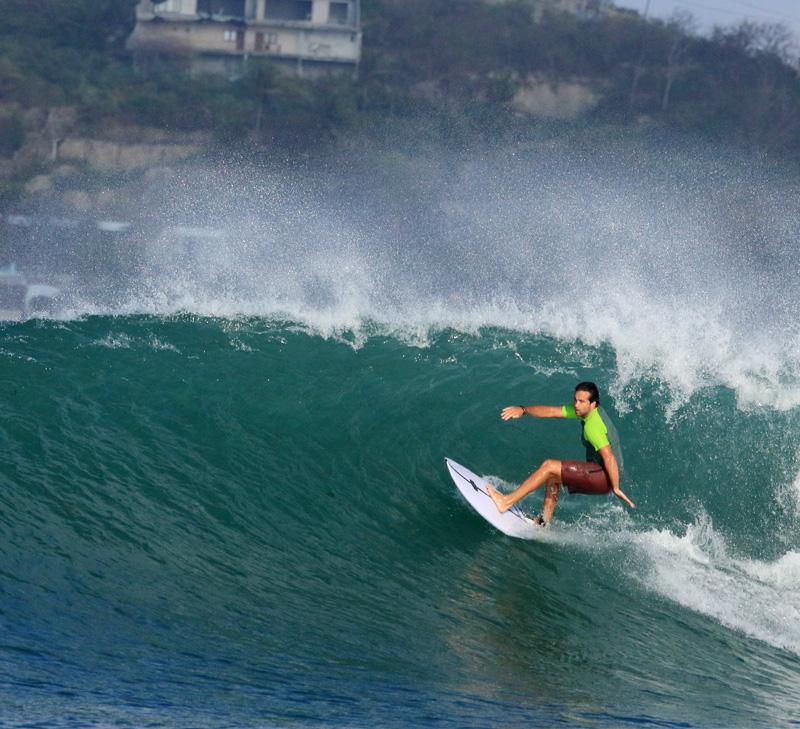 Zack - Surfing